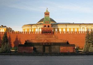 На Красной площади дебошир сломал нос охраннику Мавзолея