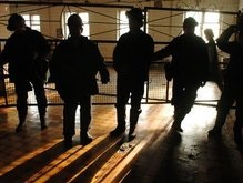 На шахте Краснолиманская - угроза взрыва