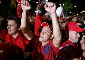 Выборы в Венесуэле: и Чавес, и оппозиция заявили о своей победе
