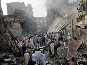 Число жертв взрыва в Пешаваре продолжает расти: 105 погибших