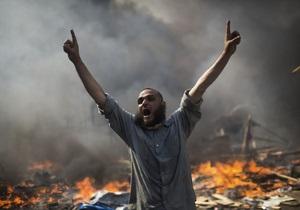 Египет - Демонстранты штурмуют правительственное здание в Каире