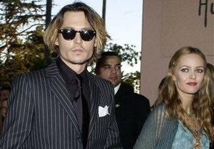 Ванесса Паради не подтвердила слухи о расставании с Джонни Деппом