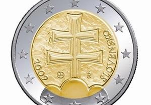 ЕС запретил словакам использовать крест на новой монете евро