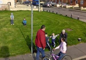 Канадский художник собрал ряд курьезных фотографий, сделанных Google Street View