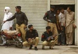 Полиция Пакистана задержала подозреваемых в нападении на мечеть