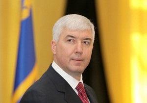 Янукович уволил Министра обороны