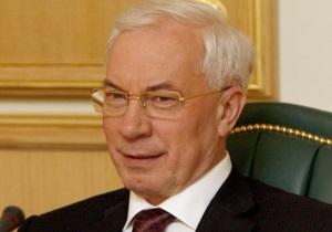 Азаров уволил главу Нацрадио, считая, что ему уже 60 лет