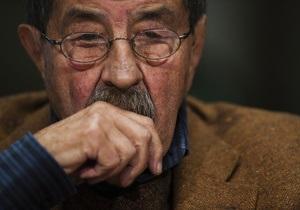 Немецкий писатель, в стихах осудивший Израиль, госпитализирован