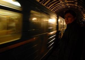 В вагонах киевского метро планируют установить камеры наблюдения