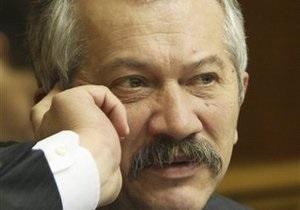 Пинзеник: В Украине идет девальвация, которую зарисовывают продажей резервов