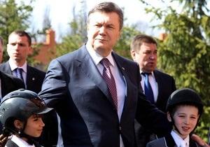 Янукович пообещал мотивировать молодежь оставаться работать на селе