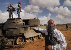 Франция отправляет в Ливию военных советников
