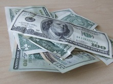 Доллар укрепился и обрушил цены на нефть