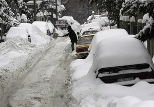 Снегопады парализовали Болгарию и Румынию. В Альпах объявлена опасность схода лавин