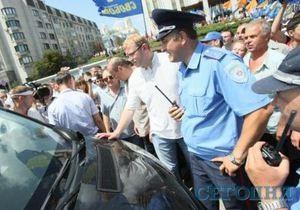Батьківщина: У гаишника, на которого якобы наехал Кожемякин, нет никакого перелома