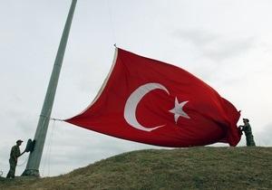 В Турции по подозрению в заговоре против правительства арестовали 102 человека