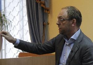 Экс-защитник Тимошенко обвинил Азарова во лжи
