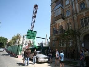 Прокуратура Киева запретила продолжать скандальную стройку на Гончара