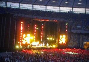 Не поделили: В Украине судятся за отчисления от концерта Red Hot Chili Peppers - Ъ
