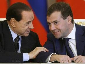 Берлускони готов выступить посредником между Обамой и Медведевым