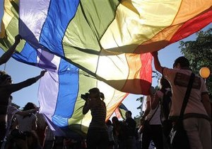 Human Rights Watch призывает ЕС на саммите с Украиной выступить против гомофобных законопроектов
