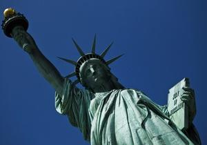 В Нью-Йорке статую Свободы открыли после ремонта