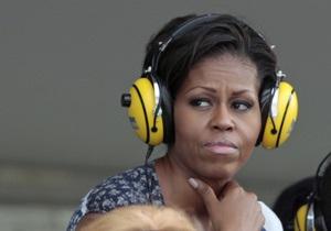 Мишель Обаму освистали во время автогонок