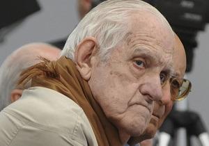 Последнего диктатора Аргентины приговорили к пожизненному заключению