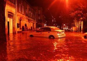 Во Львове выпало 75% месячной нормы осадков: в одном из районов образовался 20-сантиметровый слой града