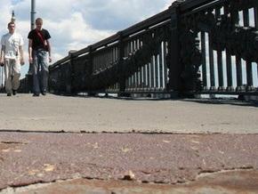 Пешеходный мост в Киеве закроют на ремонт