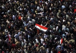 Вице-президент Египта начал диалог с демонстрантами в центре Каира