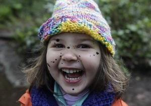 Минсемьи: В 2010 году украинцы усыновили почти две тысячи детей