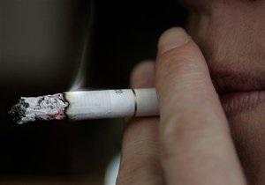 Закон о запрете курения в барах и ресторанах не ущемляет прав курильщиков - юрист