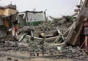 Число жертв землетрясения в Китае превысило тысячу человек