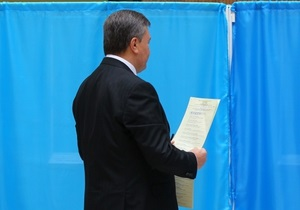 Янукович поручил генпрокурору проверить факты нарушений в одномандатных округах