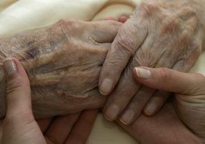 В Мариуполе 89-летняя пенсионерка покончила жизнь самоубийством, выбросившись из окна