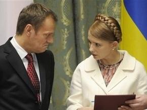 Тимошенко отменила встречу с Туском. Она улетает к Каддафи