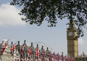 Лондонская башня Биг Бен ускорила падение набок