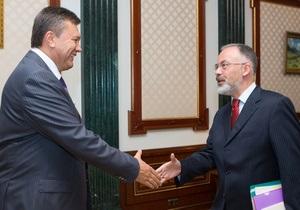 Львовский горсовет требует отставки Табачника: У министра-украинофоба есть план