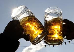 Любители пива и вина оказались здоровее и счастливее трезвенников
