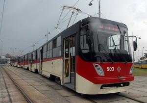 На маршруты в столице вышли первые сделанные в Киеве трамваи