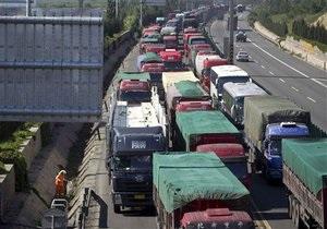 На подъезде к Пекину вновь образовалась гигантская пробка