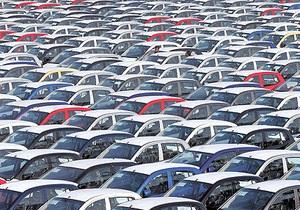 Продажи автомобилей в Европе сокращаются двенадцатый месяц подряд