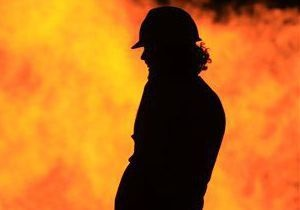 В Крыму загорелись два КАМАЗа. Предварительная причина пожара - поджог