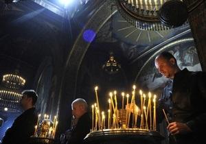 В Киев сегодня привезут Благодатный огонь