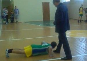 Башкирский чиновник, заставлявший школьников целовать ему ноги, попросил у детей прощения
