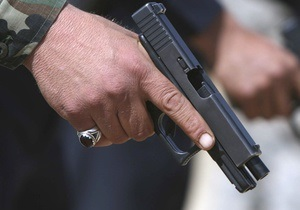 В Техасе неизвестный открыл стрельбу из автомобиля, есть жертвы
