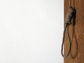 В Иране публично повесили троих человек, обвиненных в подрыве мечети