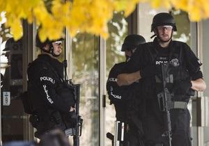 В Калифорнии мужчина открыл стрельбу в торговом центре