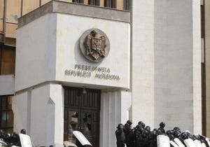 КС  Молдовы:  Подписав указ о Дне советской оккупации,  Гимпу нарушил семь статей Конституции